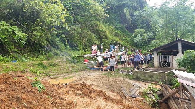 Sạt lở đất ở Lào Cai, 2 vợ chồng tử vong - ảnh 1
