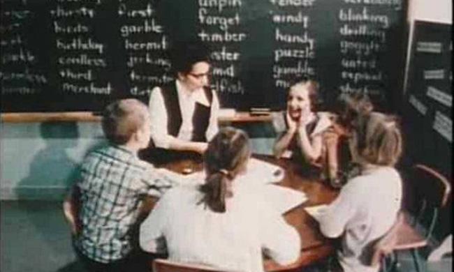 Thí nghiệm Mắt xanh - mắt nâu đặc biệt của cô giáo: Từng khiến học sinh đánh đấm, khinh miệt nhau nhưng cuối cùng được cả thế giới tung hô - ảnh 3