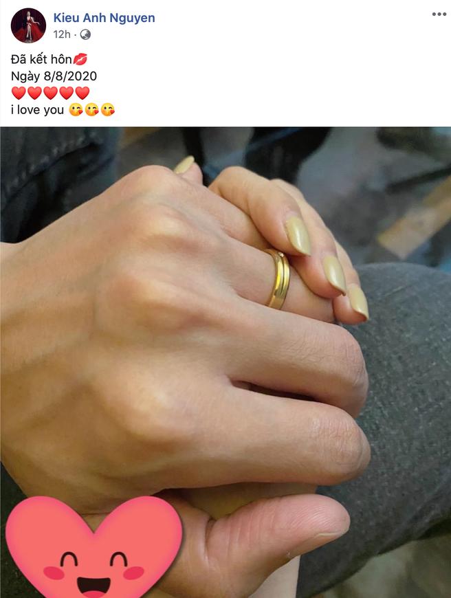 Chị Nhung Kiều Anh Phía Trước Là Bầu Trời bất ngờ thông báo đã kết hôn, công khai thể hiện tình cảm với nửa kia - ảnh 1