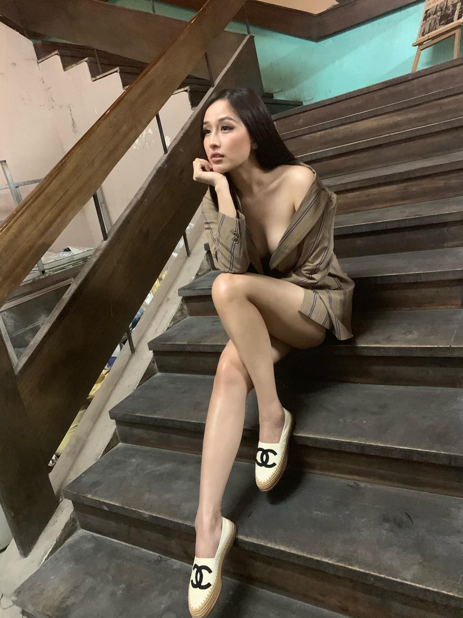 Hoa hậu mặc bốc nhất hẳn là Mai Phương Thúy: Chuyên diện váy áo trễ nải, nhiều phen vòng 1 như trào ra ngoài - Ảnh 5.