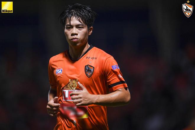Doanh nghiệp Việt Nam tài trợ cho đội bóng Thái Lan, các CLB Việt đang thua ngay trên sân nhà? - ảnh 1