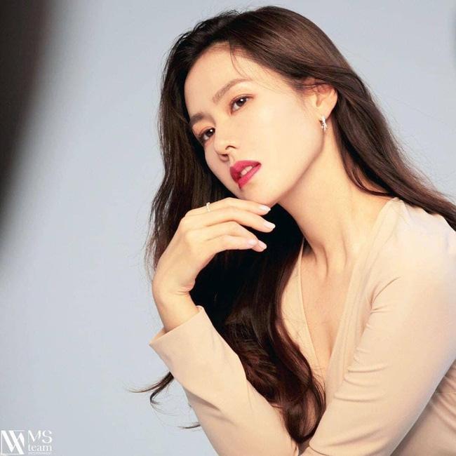 Bất ngờ với BXH nữ diễn viên Hàn Quốc đẹp nhất 2020: Son Ye Jin xuất sắc với vị trí đầu tiên, Song Hye Kyo vắng mặt trong top 5 - ảnh 2
