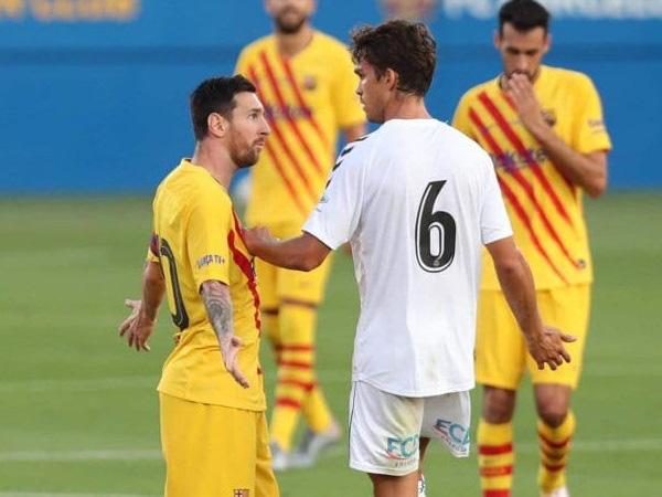 Bị theo kèm cực gắt, Messi nổi cáu với anh chàng cầu thủ vô danh - ảnh 2