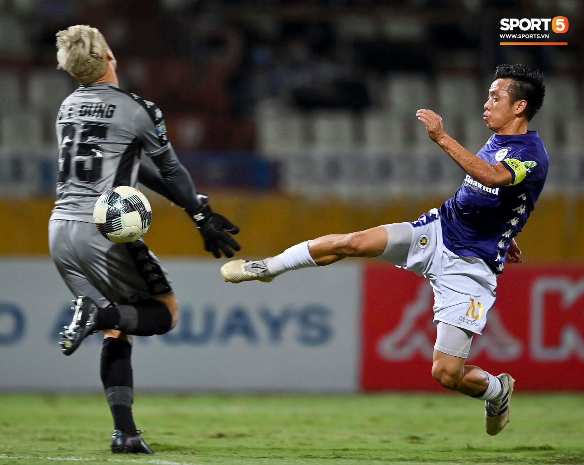 Bùi Tiến Dũng xử lý khiến cầu thủ Hà Nội FC tẽn tò nhưng không che lấp nổi ngày thảm hoạ - Ảnh 3.