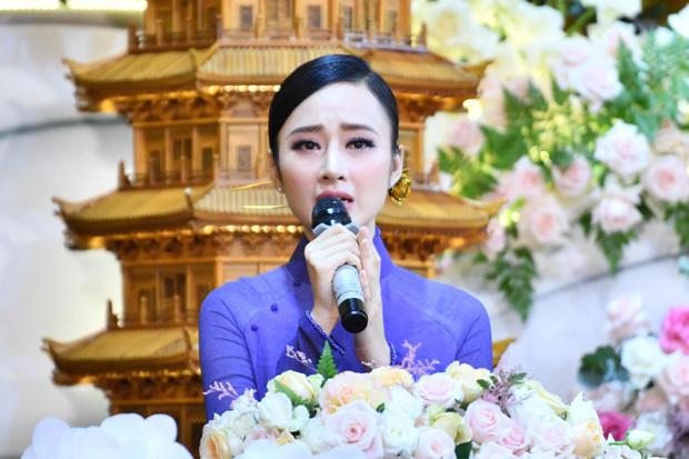 Lộ diện sương sương trong clip mới, Angela Phương Trinh gây sốt với visual giản dị: Góc nghiêng xinh động lòng người! - ảnh 7