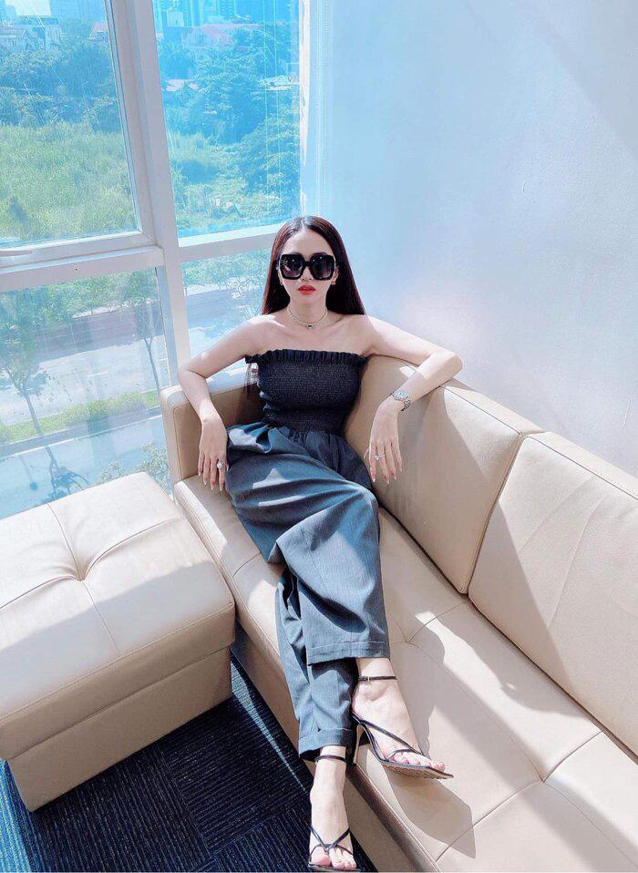 Hoa hậu Đỗ Mỹ Linh đã khác xưa lắm rồi, đụng độ Hương Giang mà chẳng kém cạnh về độ chất - Ảnh 3.