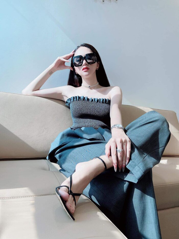 Hoa hậu Đỗ Mỹ Linh đã khác xưa lắm rồi, đụng độ Hương Giang mà chẳng kém cạnh về độ chất - Ảnh 4.