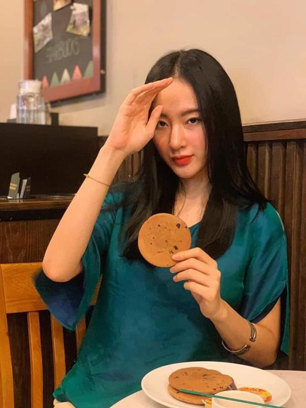 Lộ diện sương sương trong clip mới, Angela Phương Trinh gây sốt với visual giản dị: Góc nghiêng xinh động lòng người! - ảnh 9