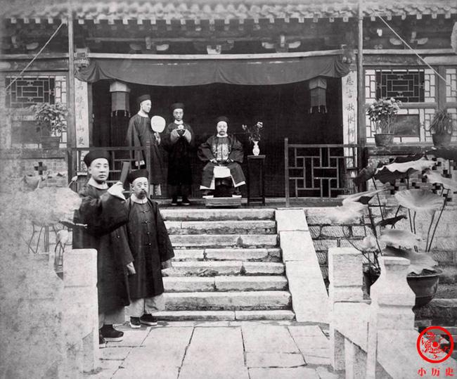 Loạt ảnh khắc họa tướng mạo thật của các vị quan văn võ cuối triều nhà Thanh, khác hẳn với những gì mọi người nhìn thấy trên phim ảnh - ảnh 1