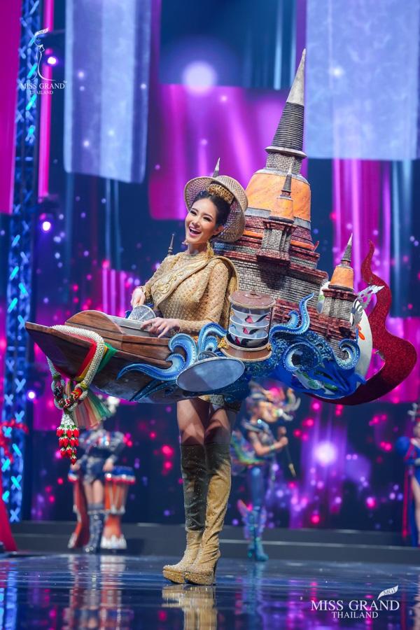 MXH náo loạn vì quốc phục có 1-0-2 tại Miss Grand ThaiLand 2020: Hết chợ nổi, bưởi da xanh đến... xương khủng long đem hết lên sân khấu - ảnh 14
