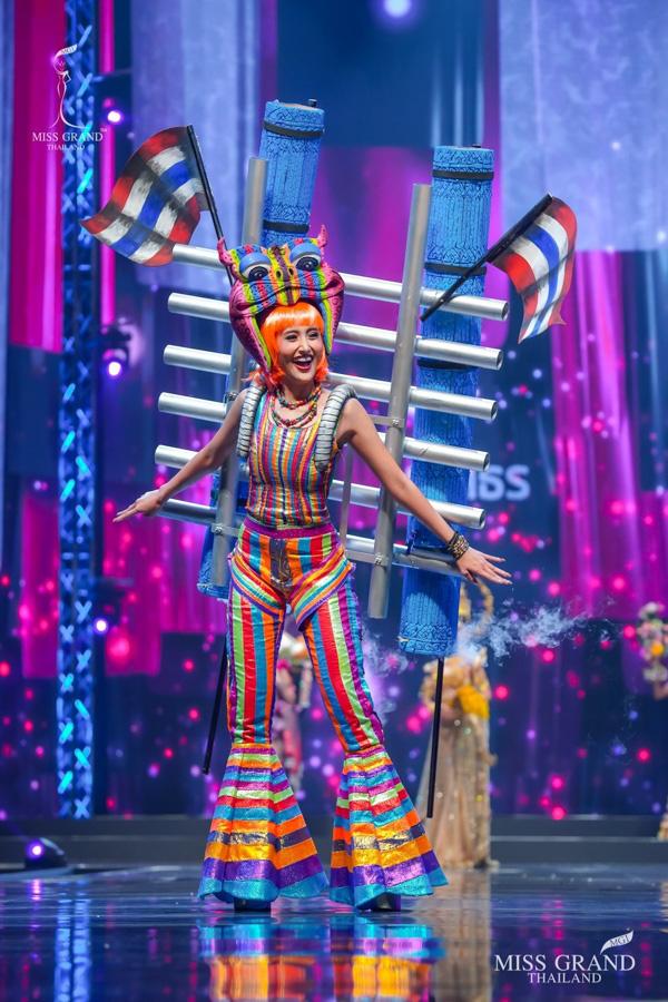 MXH náo loạn vì quốc phục có 1-0-2 tại Miss Grand ThaiLand 2020: Hết chợ nổi, bưởi da xanh đến... xương khủng long đem hết lên sân khấu - ảnh 15