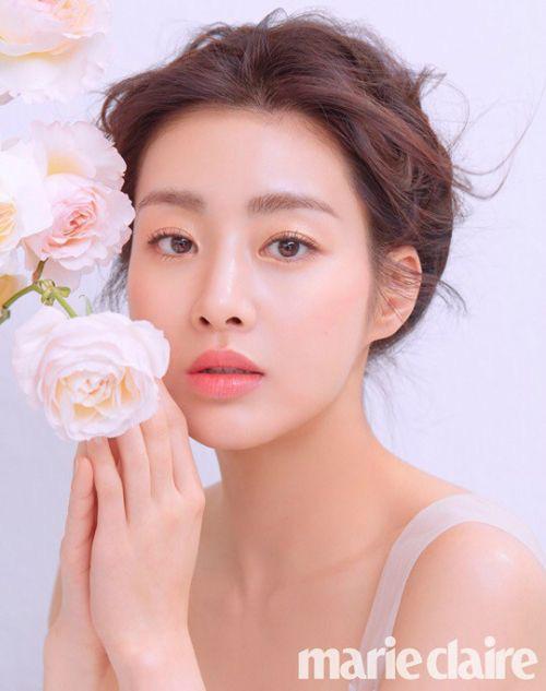 """""""Tình cũ Hyun Bin"""" Kang Sora đăng loạt ảnh đầu tiên sau hôn lễ bí mật, nhưng dấy lên nghi vấn cưới chạy bầu - ảnh 5"""