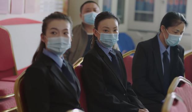 Phim chống dịch của Tiêu Chiến nhận mưa gạch đá: Phụ nữ chỉ là đồ đính kèm đàn ông, bác sĩ thiếu chuyên môn trầm trọng? - ảnh 2