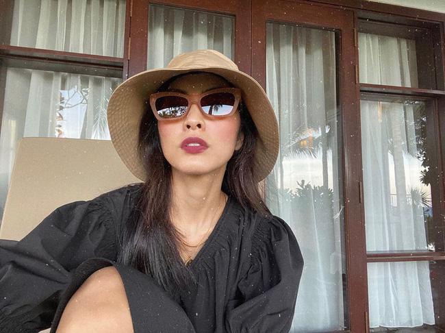 Công thức chung khi chụp ảnh selfie của Hà Tăng, chị em học theo thì bức nào cũng đẹp - ảnh 2
