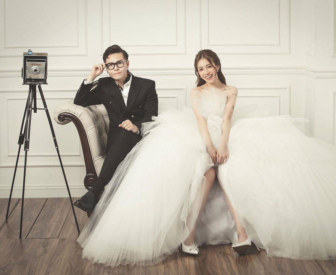 Con gái Minh Nhựa đăng loạt ảnh cưới chưa tiết lộ nhân ngày kỷ niệm 1 năm, nhìn loạt váy mà thấy trầm trồ ngưỡng mộ - Ảnh 2.