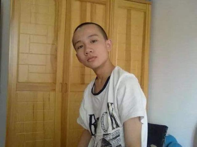 Cậu bé 3 năm học hết Tiểu học - Trung học, 14 tuổi học Đại học nhưng gặp phải bi kịch khiến cha mẹ thốt lên: Chỉ mong con là người bình thường - ảnh 3