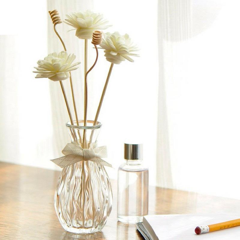 Hội nghiện nhà hầu như ai cũng chăm sắm tinh dầu, vừa giúp nhà thơm tho vừa  decor chuẩn đét