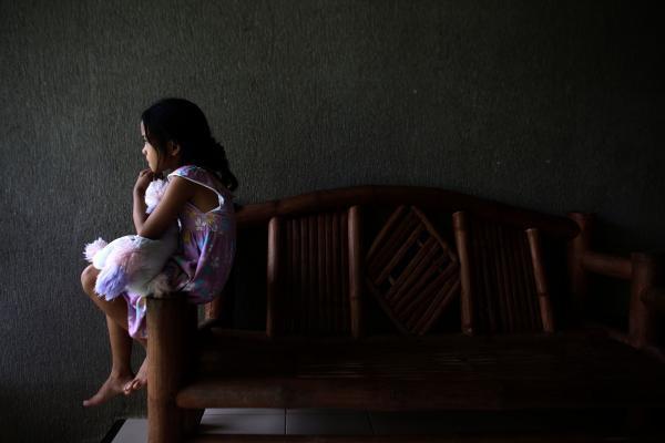 Mặt tối sau những trại trẻ mồ côi: Nơi những đứa trẻ bị bắt ăn mặc rách rưới, đóng giả không cha không mẹ để lợi dụng tình thương của du khách nước ngoài - ảnh 3