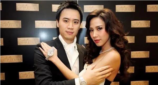 Nữ hoàng xứ Thái Aum Patcharapa: Hớp hồn Mario Maurer, gây sốc với 2 lần kéo quân đánh ghen và cái kết bên CEO gia thế khủng - ảnh 8