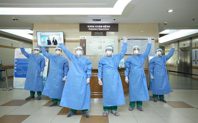 Việt Nam chữa khỏi 999 ca bệnh Covid-19, tròn 24 ngày không có ca lây nhiễm trong cộng đồng - ảnh 1