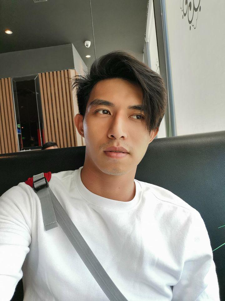 """3 nam thần travel blogger mới của Việt Nam: Vì quá đẹp trai nên fan """"mê như điếu đổ"""", có người còn bỏ việc để được du lịch khắp nơi - Ảnh 1."""