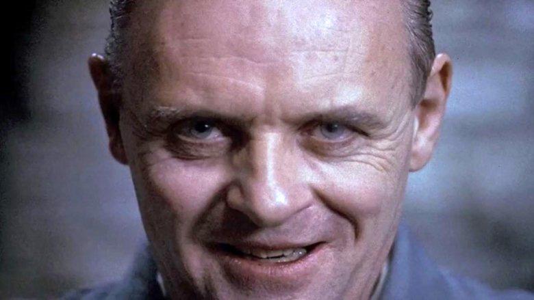 4 ác nhân màn ảnh thần thái không thua gì Ratched: Ánh mắt sắc muốn xỉu, đấu kiếm mà tưởng thi The Face á! - Ảnh 2.