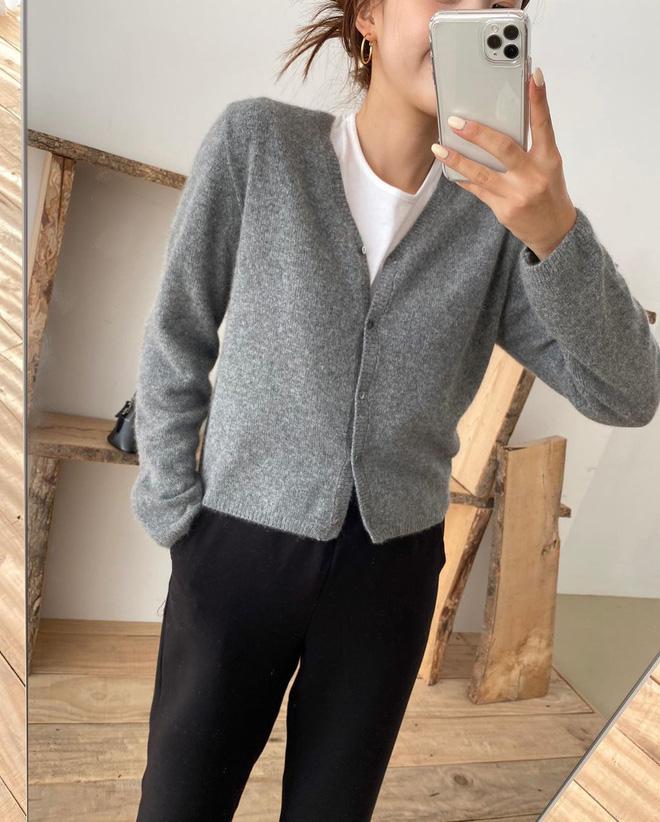 Chỉ là 2 dáng áo len cơ bản nhưng lại có sức mạnh ghê gớm, có đủ thì bạn luôn mặc đẹp - ảnh 15