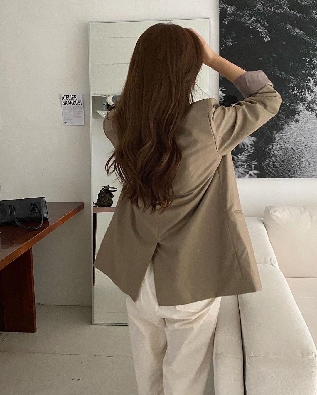 6 sai lầm khiến tóc rụng lả tả và ngày một xác xơ mà 90% các nàng đều từng mắc phải - Ảnh 2.