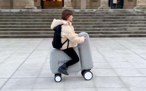 Nhật Bản: Xe điện cũng bơm phồng được như bóng bay, lại còn gấp gọn cho vào balo bao ngầu bao chất