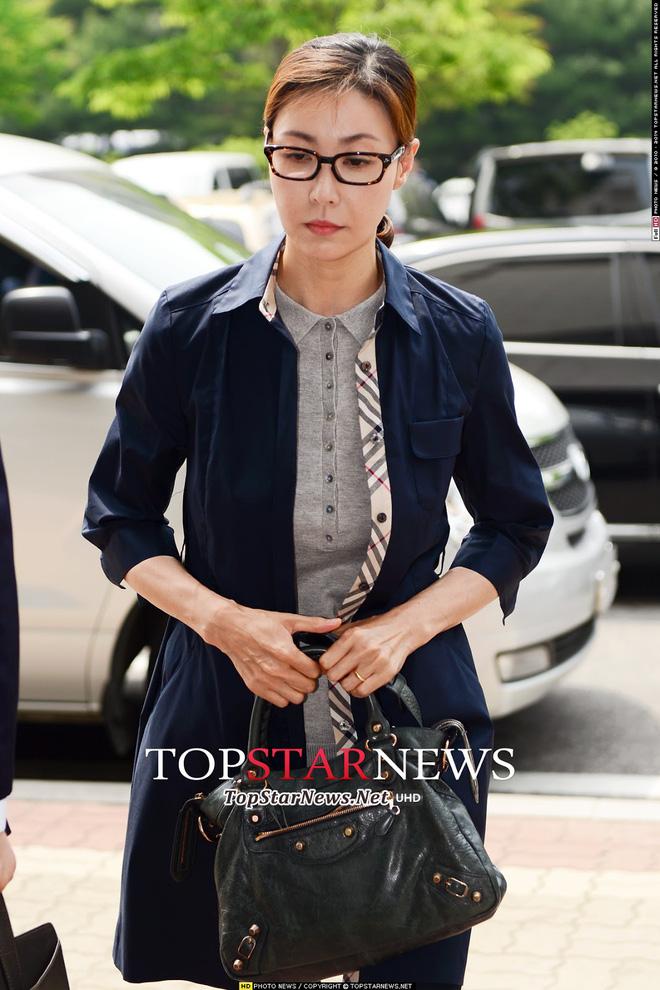 Á hậu tai tiếng nhất Hàn Quốc Sung Hyun Ah: Đi tù vì thuốc lắc, lộ 150 ảnh nude đến nghi án bán dâm tiền tỷ, chồng tự tử và cái kết cay đắng - ảnh 7