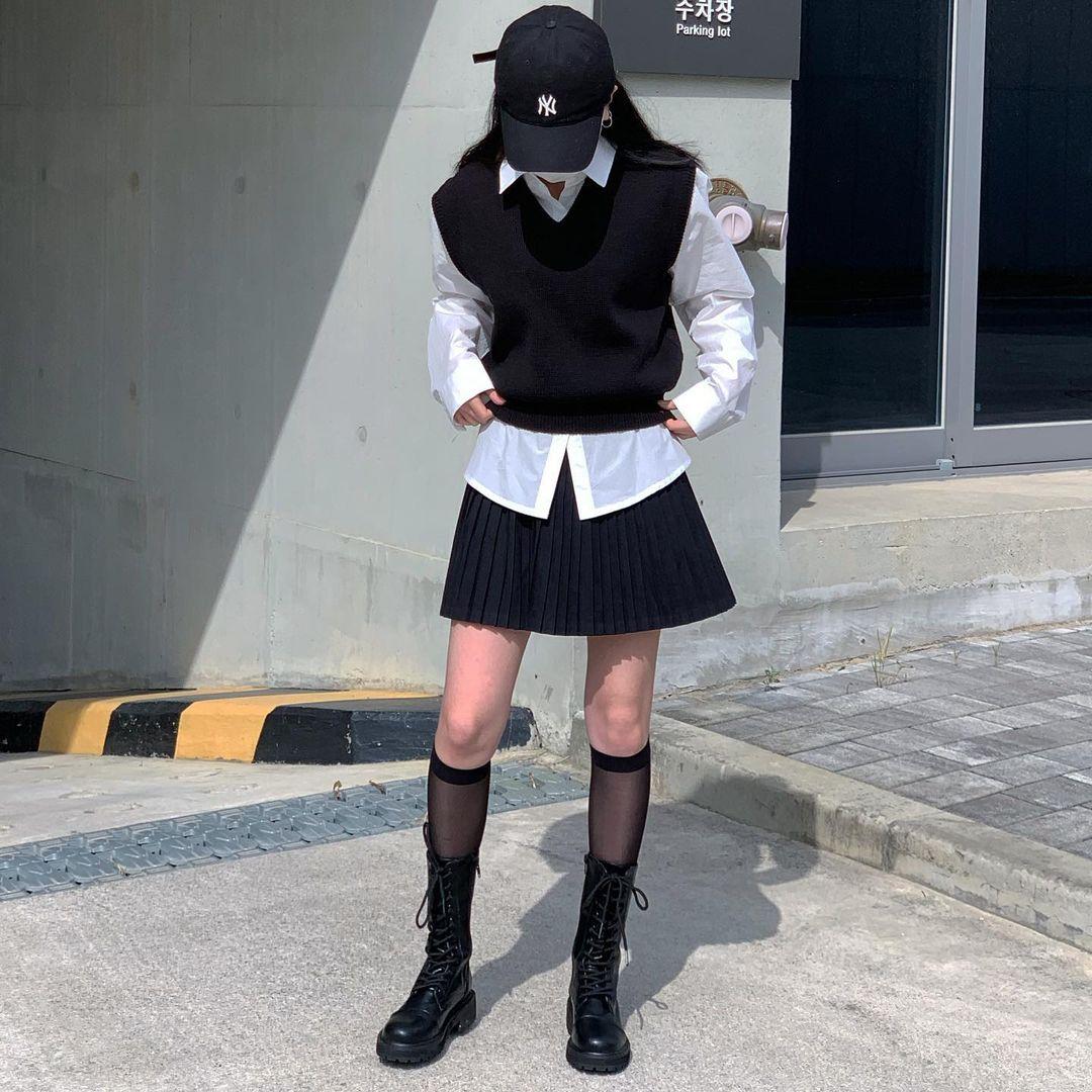 Diện đồ đẹp mà không biết chọn giày coi như bỏ, combat boots đang hot rần rần không khó xơi như bạn tưởng - Ảnh 8.