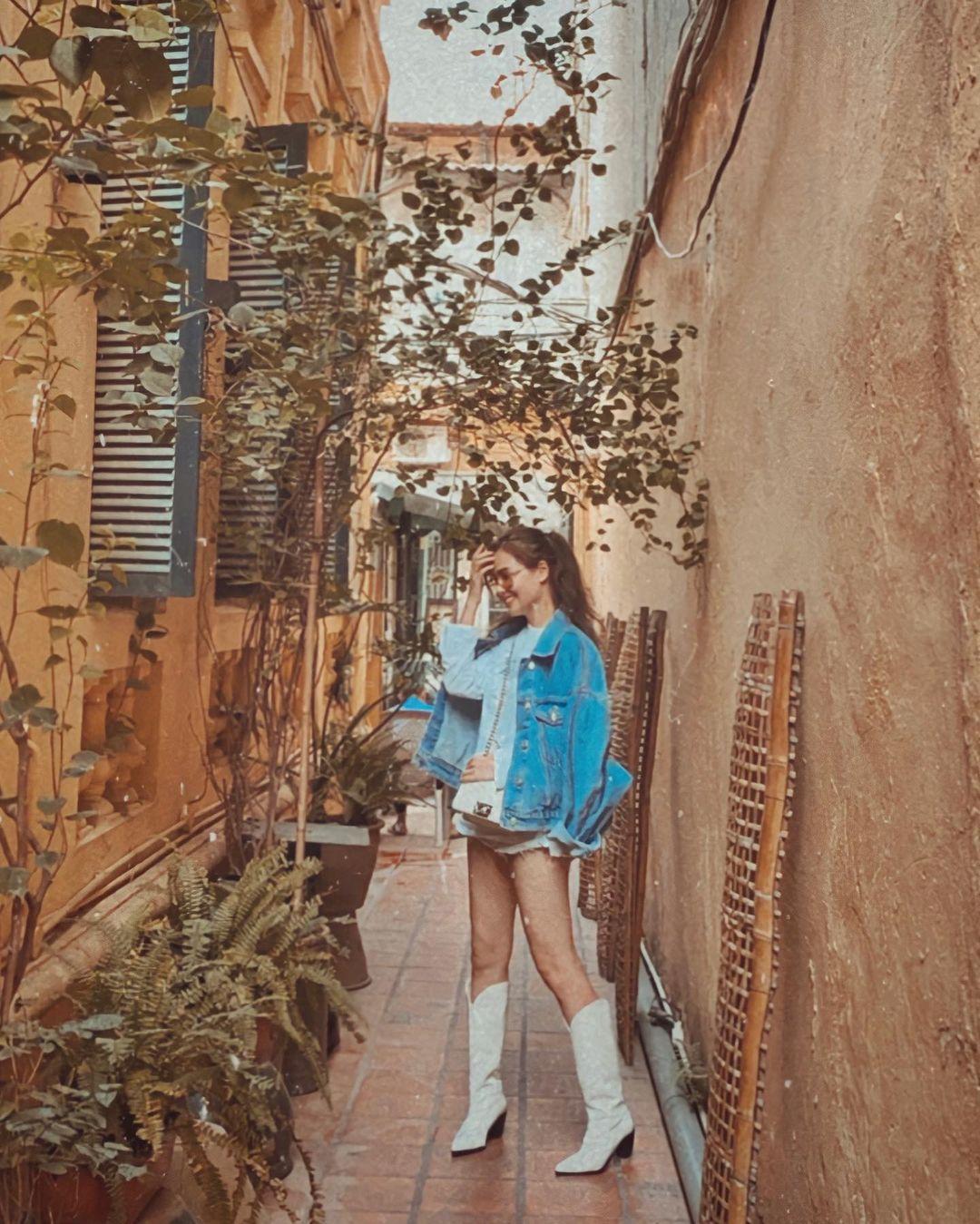 """Instagram look của sao Việt tuần qua: Chi Pu, Tóc Tiên khoe vòng 1 đẫy đà nhưng chưa """"bén"""" bằng Lan Ngọc - Ảnh 9."""
