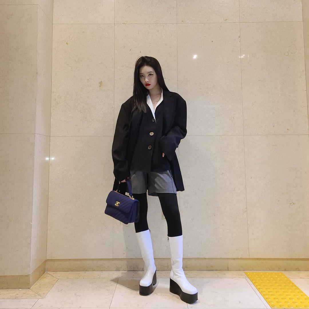 Học theo sao Hàn cách mặc layer đỉnh cho mùa lạnh, gu thời trang của bạn sẽ lên hẳn tầm cao mới cho xem - Ảnh 10.