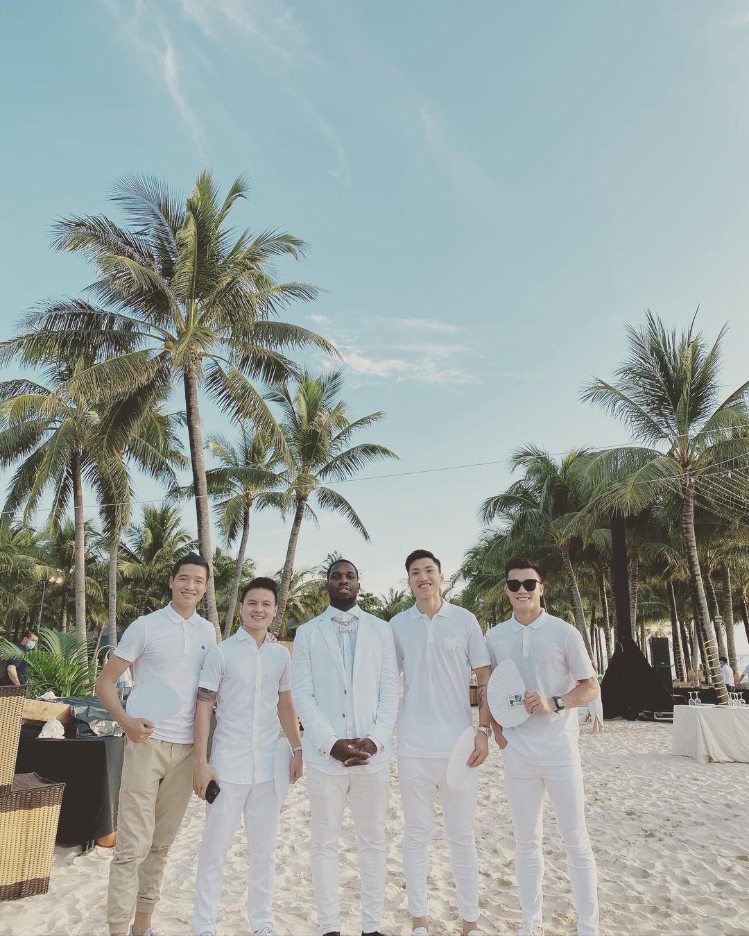 Dàn khách mời nam thần xả vai hậu đám cưới Công Phượng, tầm này Instagram của ai người đó đẹp - Ảnh 3.
