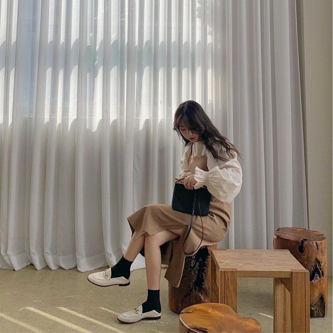 Những chiếc áo bánh bèo đang chiếm sóng Instagram sao Việt dạo này, nhìn rườm rà vậy thôi chứ dễ mix đồ lắm - Ảnh 10.