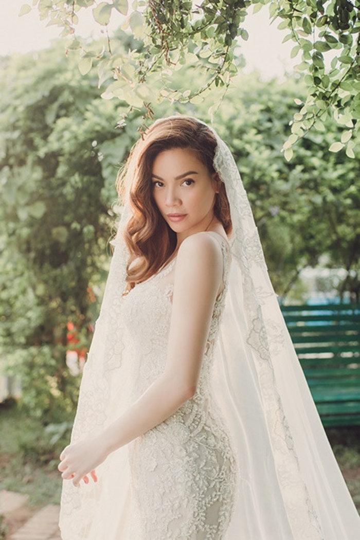 Hà Hồ bất ngờ nhá hàng ảnh mặc váy cưới hậu sinh đôi trai gái, netizen soi chi tiết liên quan đến chú rể Kim Lý? - Ảnh 5.
