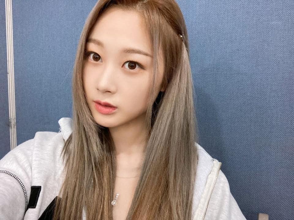 aespa vừa debut đã bị la ó phân biệt đối xử khi cố tình makeup nhạt nhòa cho 1 thành viên - Ảnh 6.