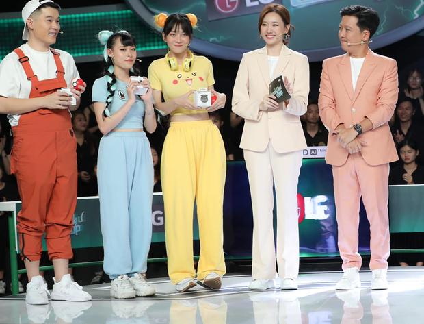 Hot TikToker trong ảnh sống ảo và lúc lên tivi: Lê Bống khiến netizen tranh cãi, gây choáng nhất là Trần Đức Bo - ảnh 10