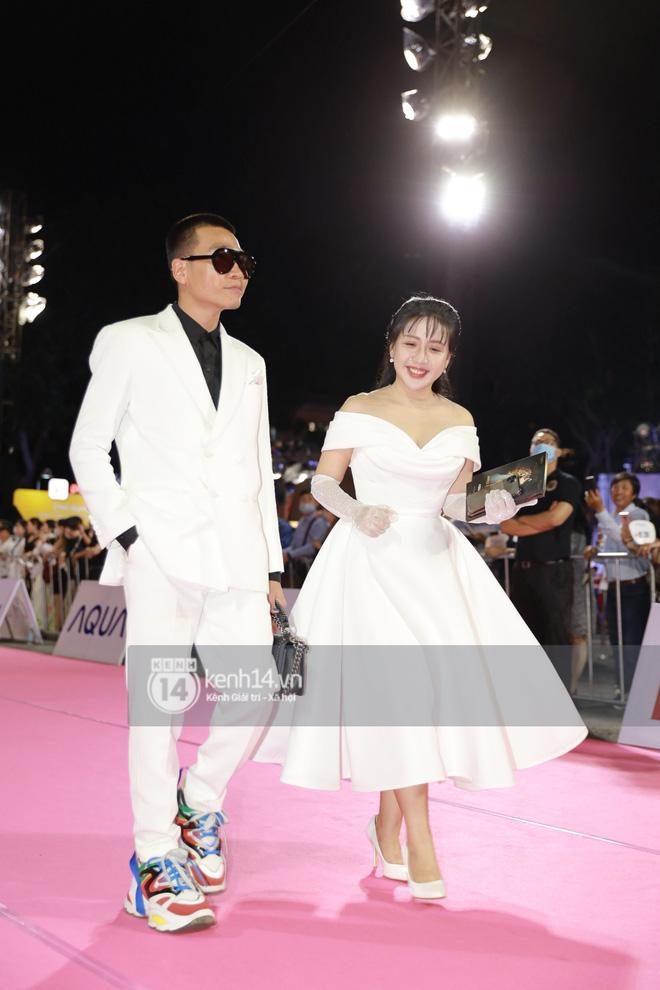 Đi xem Chung kết Hoa hậu Việt Nam 2020 cũng không làm Wowy xao nhãng, vẫn tung thính bài mới như thật - Ảnh 3.