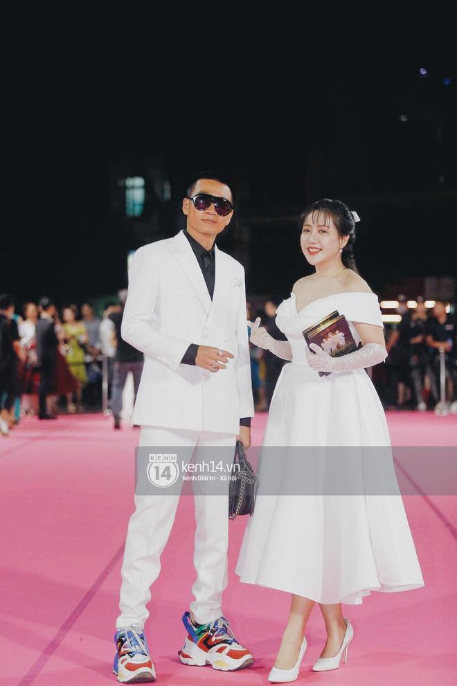 Đi xem Chung kết Hoa hậu Việt Nam 2020 cũng không làm Wowy xao nhãng, vẫn tung thính bài mới như thật - Ảnh 2.