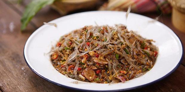 Cận cảnh món ăn sống còn nhảy tanh tách, nhìn vào ai cũng muốn bỏ chạy ở Thái Lan - Ảnh 3.