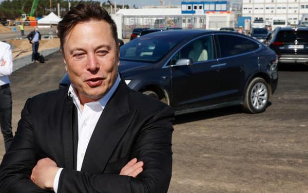 Bí mật bất ngờ đằng sau sự vụt sáng từ công ty sắp phá sản trở thành hãng xe hơi lớn nhất thế giới sau chưa đầy 2 năm của Tesla - ảnh 1