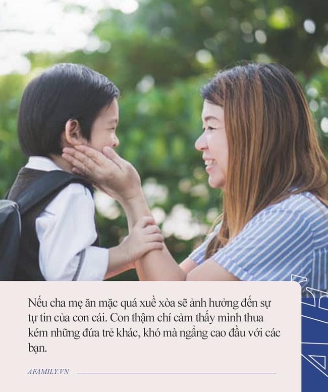 Đến đón con tan học, bà mẹ bất ngờ nhận được tin nhắn của cô giáo chủ nhiệm, nội dung vỏn vẹn vài dòng mà đọc xong đỏ cả mặt - Ảnh 2.