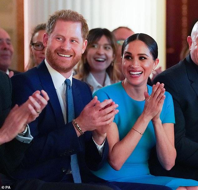 Nhà Meghan Markle dính nghi án qua mặt Nữ hoàng Anh giao dinh thự cho công chúa và phản ứng của vợ chồng Công nương Kate gây chú ý - ảnh 1