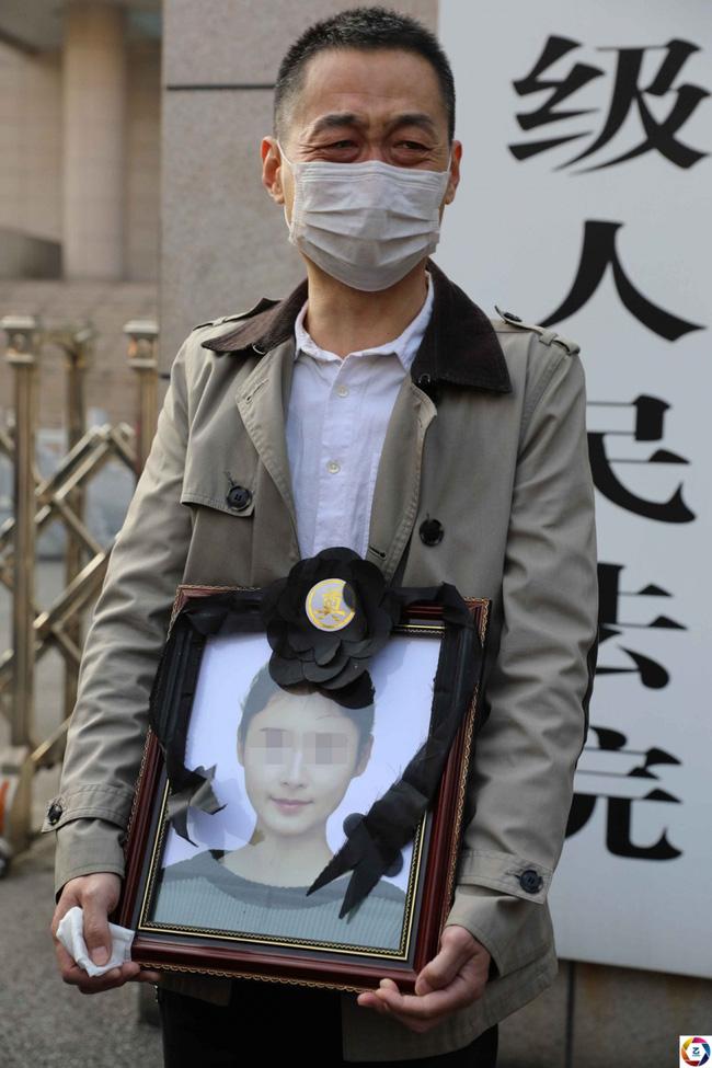 Sát hại nữ sinh 19 tuổi, giảng viên đại học bị kết án tử nhưng quá khứ của hắn được công khai tại tòa lại gây phẫn nộ hơn - ảnh 5