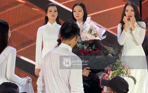 Doãn Hải My đơ toàn tập khi bất ngờ được hỏi thân với Văn Hậu lâu chưa ở đêm Chung kết Hoa hậu Việt Nam - ảnh 6