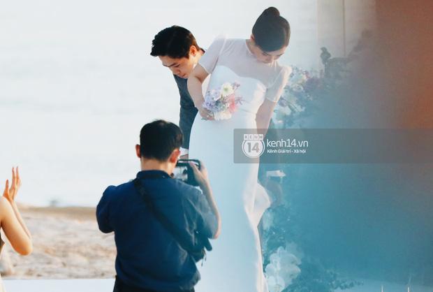 Khoảnh khắc ăn tiền nhất đám cưới Công Phượng - Viên Minh: Đáng đạt điểm tuyệt đối vì quá rực rỡ, hạnh phúc và tinh tế - ảnh 2