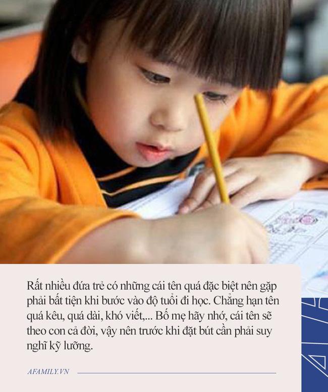 Cậu bé lớp 1 nằng nặc đòi bỏ học, liên tục khóc mếu máo: Tất cả là tại bố mẹ, nguyên nhân khiến cả nhà xúm xít xin lỗi - Ảnh 2.