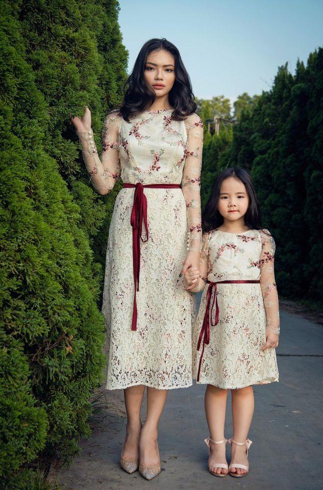 """Nhìn bộ ảnh nhà Trang Nhung là hiểu sức mạnh của """"gen trội"""": Nàng mẫu nóng bỏng, cháu gái từng thi Hoa hậu nổi bần bật - ảnh 10"""