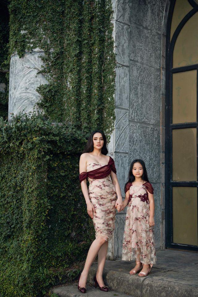 """Nhìn bộ ảnh nhà Trang Nhung là hiểu sức mạnh của """"gen trội"""": Nàng mẫu nóng bỏng, cháu gái từng thi Hoa hậu nổi bần bật - ảnh 3"""